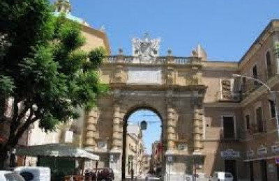 1- Porta Garibaldi